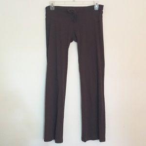Lightweight drawstring knit yoga pants